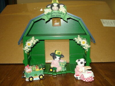 Used Clean John Deere Figurines & Wooden Barn Shadow Box GREAT FOR CHRISTMAS!!