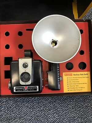 Vtg Kodak Brownie Hawkeye Flash Camera Kit