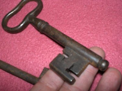 N° Due Chiavi 600/700 Area Germanica Cle, Schlussel ,key Chiave,llave