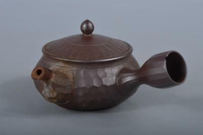 R5200: Japanese Tokoname-ware Brown pottery Poetry sculpture TEAPOT Kyusu Sencha