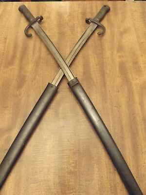 Two Etienne Guillet 1812 and 1813 French swords
