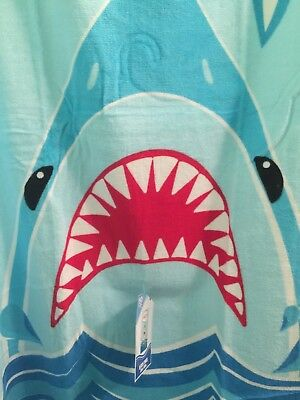 MEG SHARK Beach Towel 60 x 30 Inches Great White Shark JAWS OCEAN NWT Pool Swim