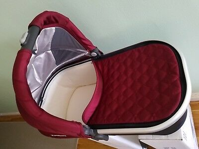 BARELY USED 2017 UPPAbaby Universal Bassinet For Vista Cruz (Dennison)