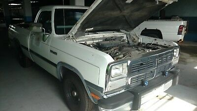 1992 Dodge Other Pickups LE 1992 Dodge D150 LE short wide box 3.9 V6 5-speed
