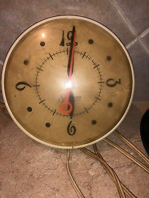 VTG 1950 60s SESSIONS White Round  Electric KITCHEN WALL CLOCK Red Second Hand
