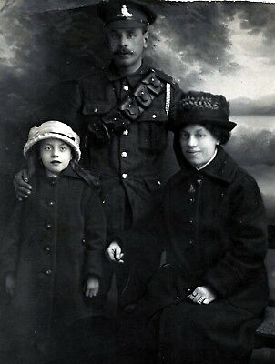 WW1 WWI BEF British soldier RFA artillery - with wife & daughter