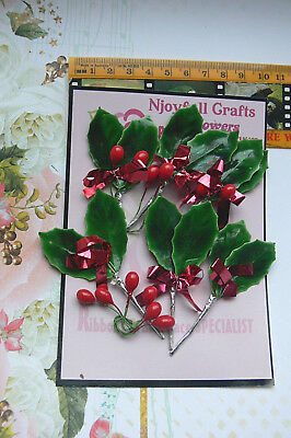 CHRISTMAS HOLLY & BERRIES SPRAY Pk - GREEN & RED - 6 Pairs Leaves & 2 Berries ea