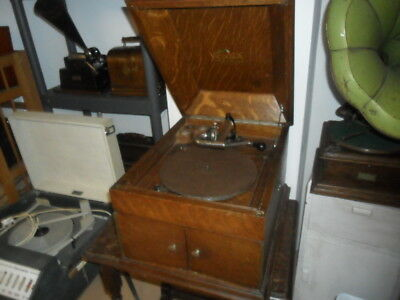 A fine condition original Victrola Gramophone Phonograph