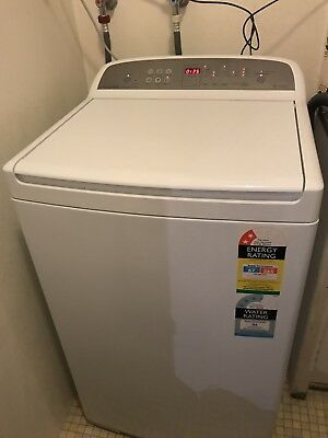 Fisher & Paykel Top Loader Washing Machine 7kg - Less Than 12 Months Old