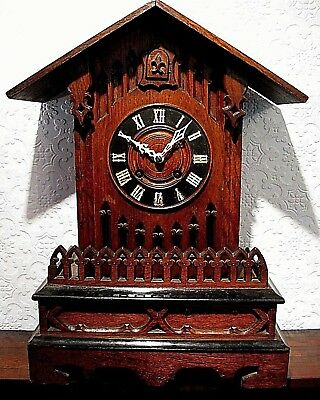 A Large Heavy Hardwood Early 20thC Cuckoo Clock. No Reserve