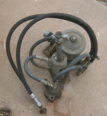 VickersHydraulic pump with ram and control valve