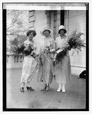 Miss Marion Grimes,Mrs. Anthony Wayne C...,& Eugenia Lejeune 4/14/24,1924