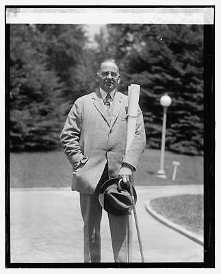Photo:Vernon Howe Bailey,5/15/24,American Artist,May 1924