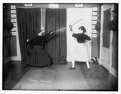 Photo:Women fencing,wearing skirts