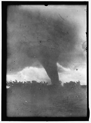 TORNADO,Natural Disaster,Unidentified Location,United States,Harris & Ewing