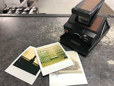 Polaroid Land Camera SX70 Model 3. Nice condition, Tested working.
