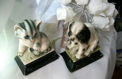 Vintage cat and dog figurines Flawed black and white made in Japan 6 x 4.5