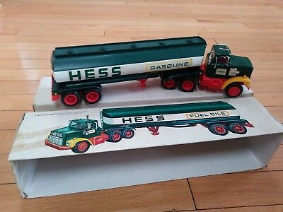 In BOX Vintage 1977 HESS GASOLINE Fuel Oil DELIVERY Toy TRUCK
