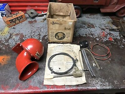 Antique NOS Jubilee No 90 6 Volt Horn With Handle And Parts Car Truck Loud!