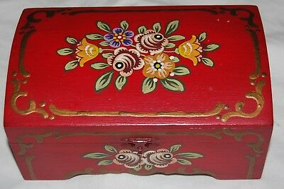 Vintage Hand painted Wood Trinket Jewelry Box Red Floral Flowers Green Lining