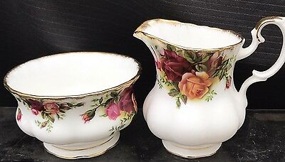 ROYAL ALBERT OLD COUNTRY ROSE Milk AND SUGAR FOR A Tea   SET
