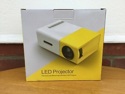 EXCELVAN - MINI LED PROJECTOR  - Pre owned