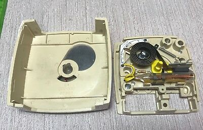 vtg Robertshaw CM260 Thermostat Beige 3-wire heat only and boiler control RV