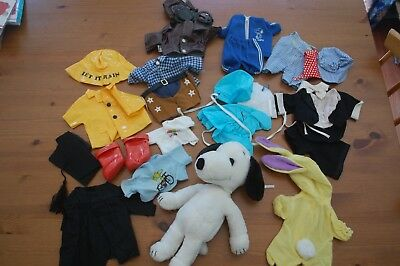 Vintage 1980's (1958 copyright) SNOOPY plush doll PLUS 10 OUTFITS Lot