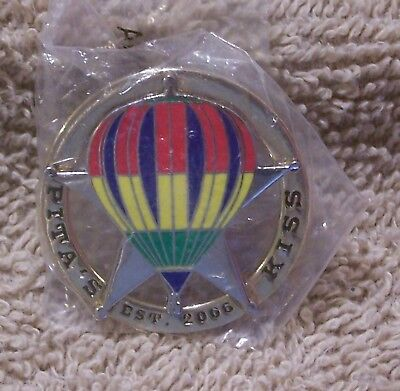 Pita's Kiss Est 2006 Balloon Pin
