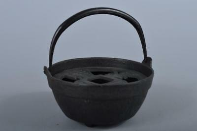 R5536: Japanese Iron Old coin sculpture Shapely INCENSE BURNER Tea Ceremony