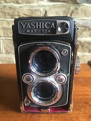 YASHICA MAT 124 TLR With Case