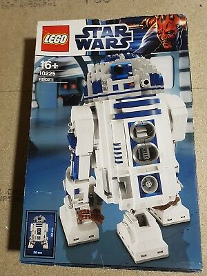 Lego Star Wars Ultimate Collector Series 10225 R2-D2 New In Box UCS