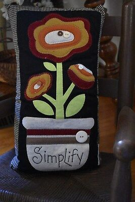 New Primitive Country Stitchery Pillow Wool Felt Home Decor