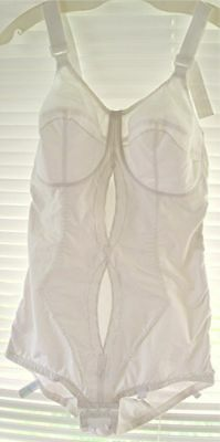 VTG 1960's PLAYTEX I CAN'T BELIEVE IT'S A GIRDLE ALL IN ONE WHITE #2533 Sz 36D