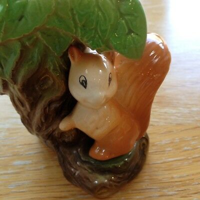 Vintage-Withernsea-Eastgate-Fauna-Pottery-Tree-Trunk-Squirrel Vase
