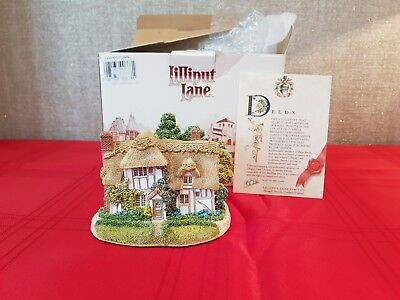 Lilliput Lane - Camomile Lawn - English Collection: South East - boxed+deeds