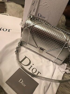 b22146aced10 CHRISTIAN DIOR Metallic Silver Calfskin Micro-Cannage Medium Diorama Flap  Bag