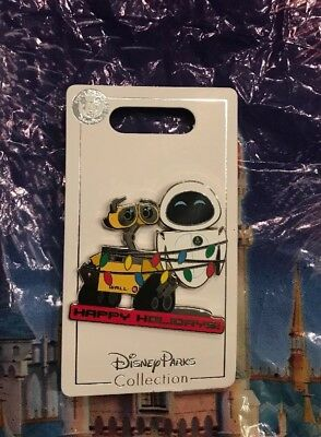 Disney Holiday 2018 Wall-E And Eve Wrapped In Christmas Light Pin OE New