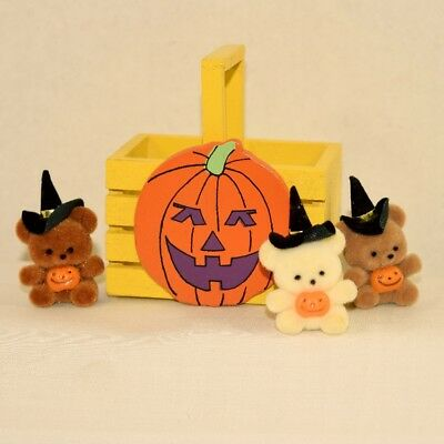 Small Halloween Wood Basket with 3 Bear Pins