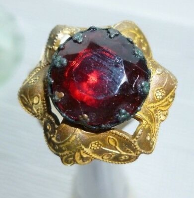 Antique Ladies Hatpin Red Ruby Rhinestone With Detailed Brass Wreath Lovely