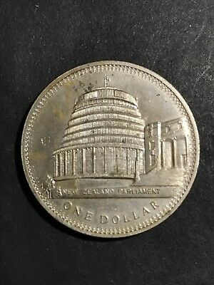 Vintage New Zealand Coin - Large Size One Dollar, NZ Parliament 1978 $1
