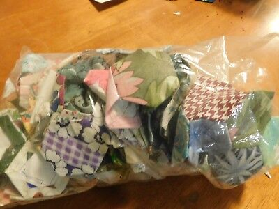 vintage patchwork 410 hexagons 500 g 1970's ready for a quilt package C
