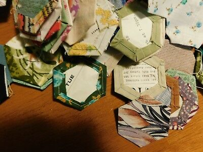 vintage patchwork 400 hexagons 500 g 1970's ready for a quilt package D