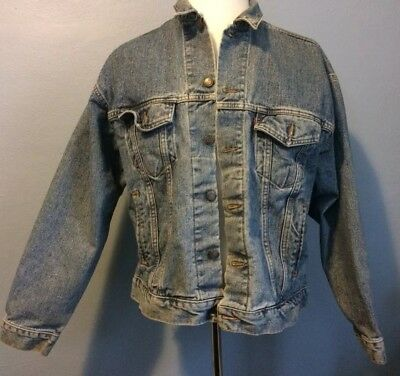 Vintage LEVIS Jean Jacket 70507 4890 Size Large Blue Denim Red Tab Made In USA