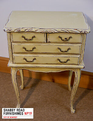 Small sewing chest or cutlery cabinet