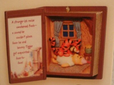 2007 Hallmark Keepsake Ornament Surprised to Meet You Winnie the Pooh Diorama