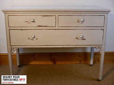 Edwardian Chest of Drawers 2 over 1