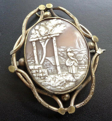 antique Victorian carved shell scenic cameo lady landscape gilt gold brooch A189