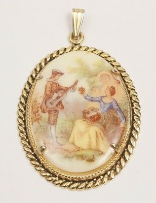 1980 Retro Vintage Cameo Pendant of Courting Couple Gold Tone Frame and Bale