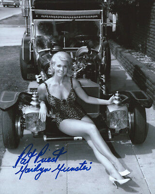 THE MUNSTERS Marilyn PAT PRIEST pinup signed photo!